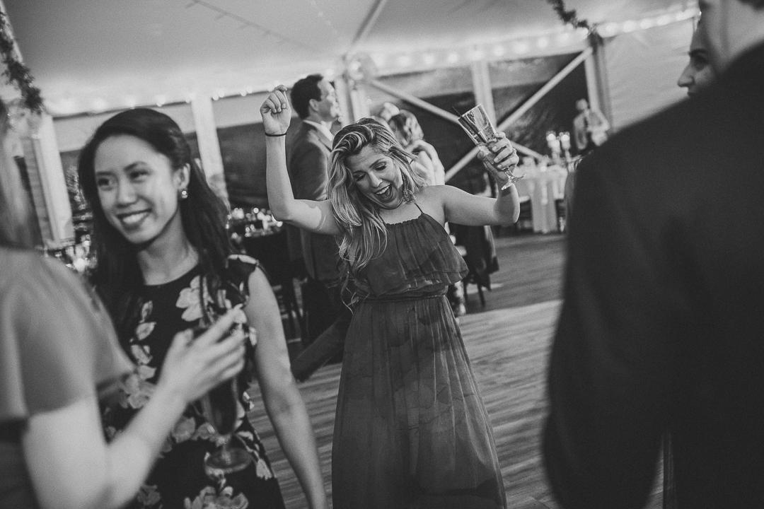 201ninalilyphoto-bartramsgardenwedding-hinckenblog.jpg