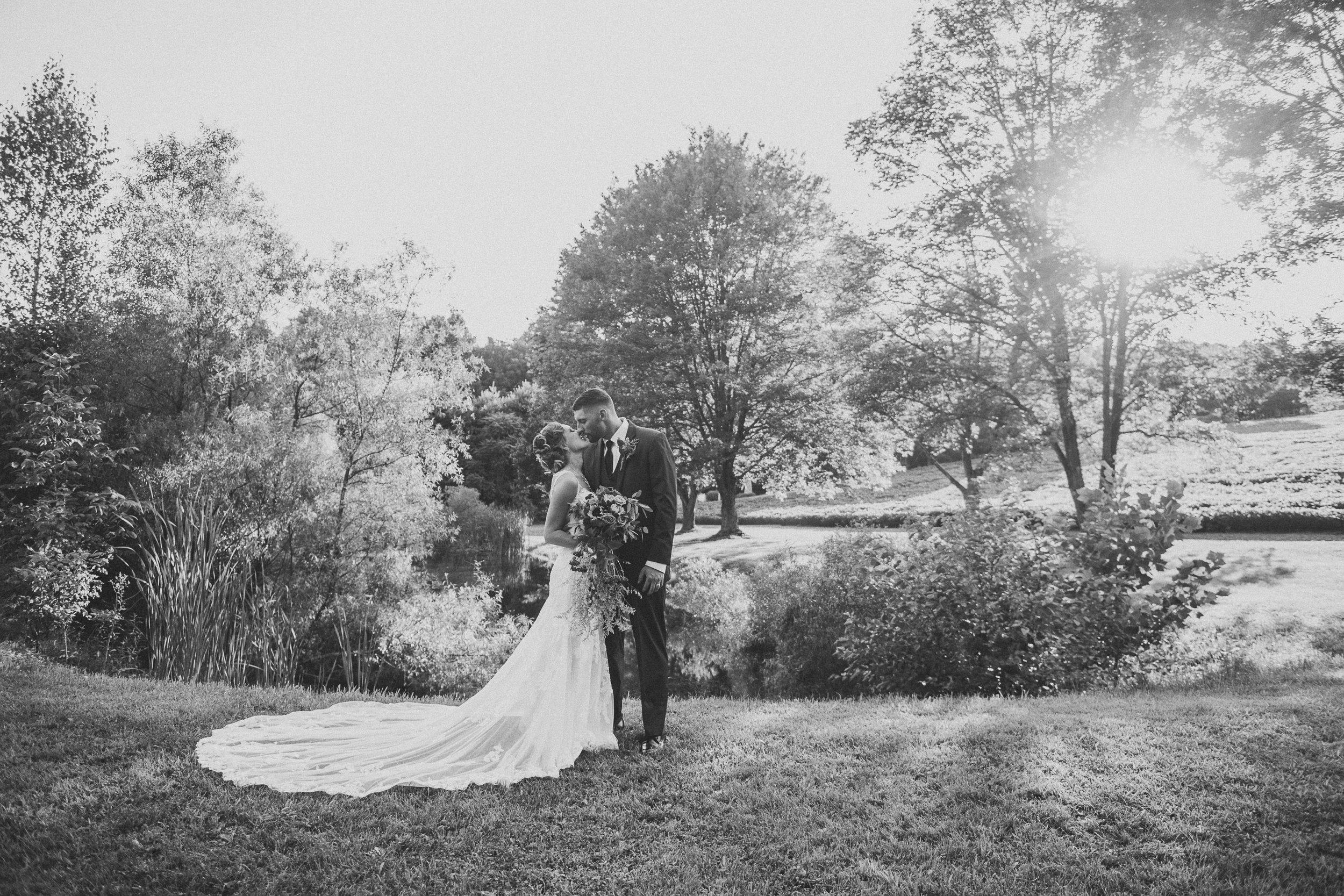 070ninalilyphoto-groveatkemptonwedding-hicksblog.jpg