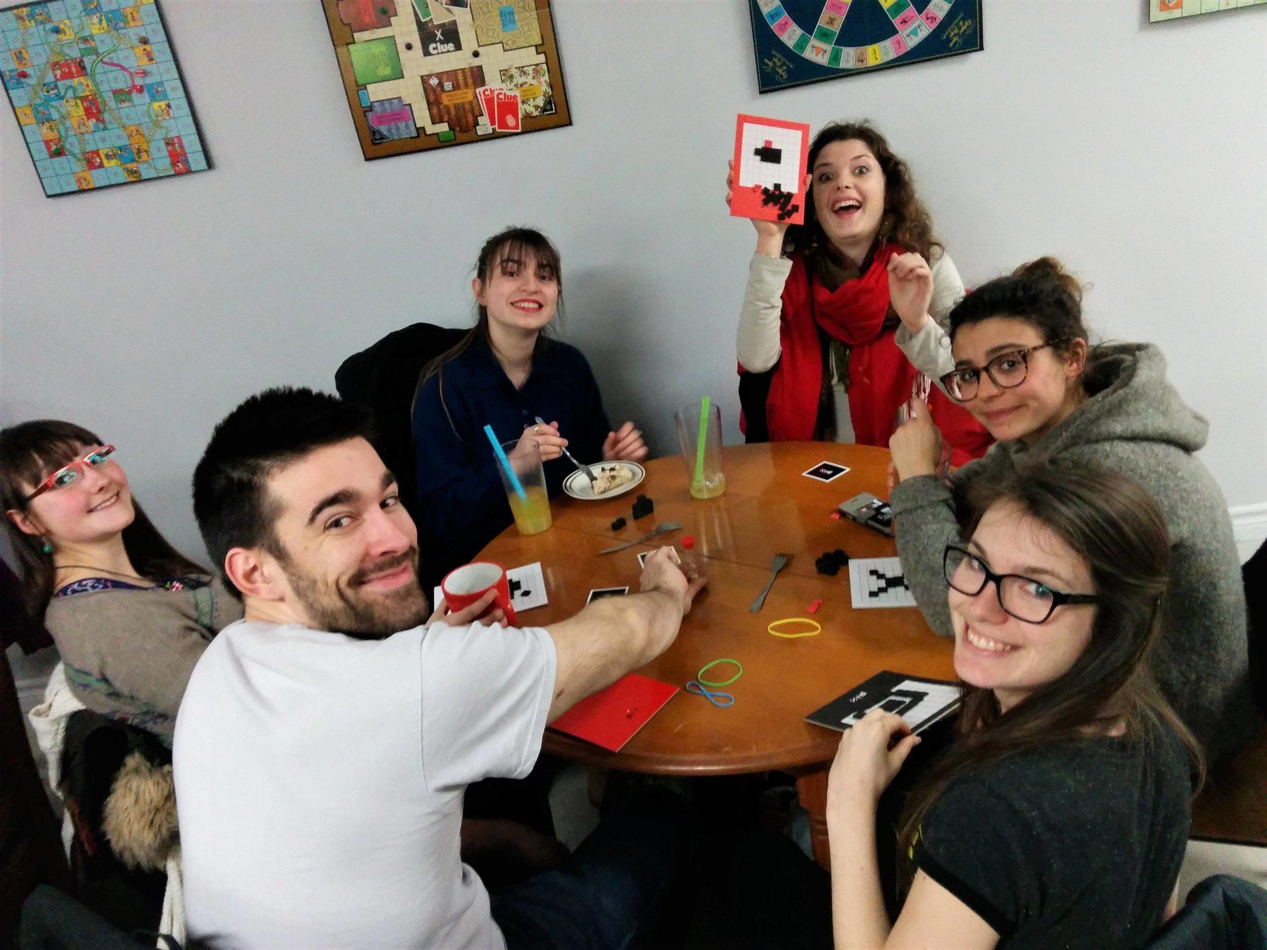 SOIRÉE DE FINANCEMENT - Votre association étudiante ou votre organisme communautaire souhaite amasser des fonds pour financer ses activités?Organisez une soirée de jeux de société au café et devenez animateur d'un soir!