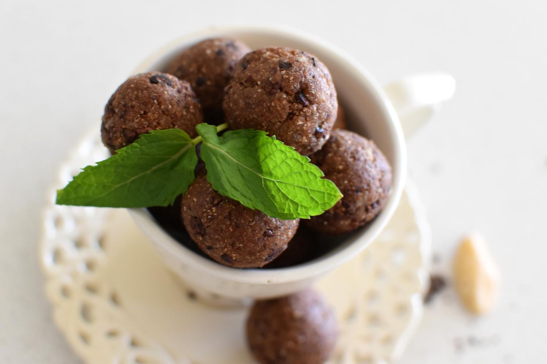 Mint Choc-Chip Protein Balls