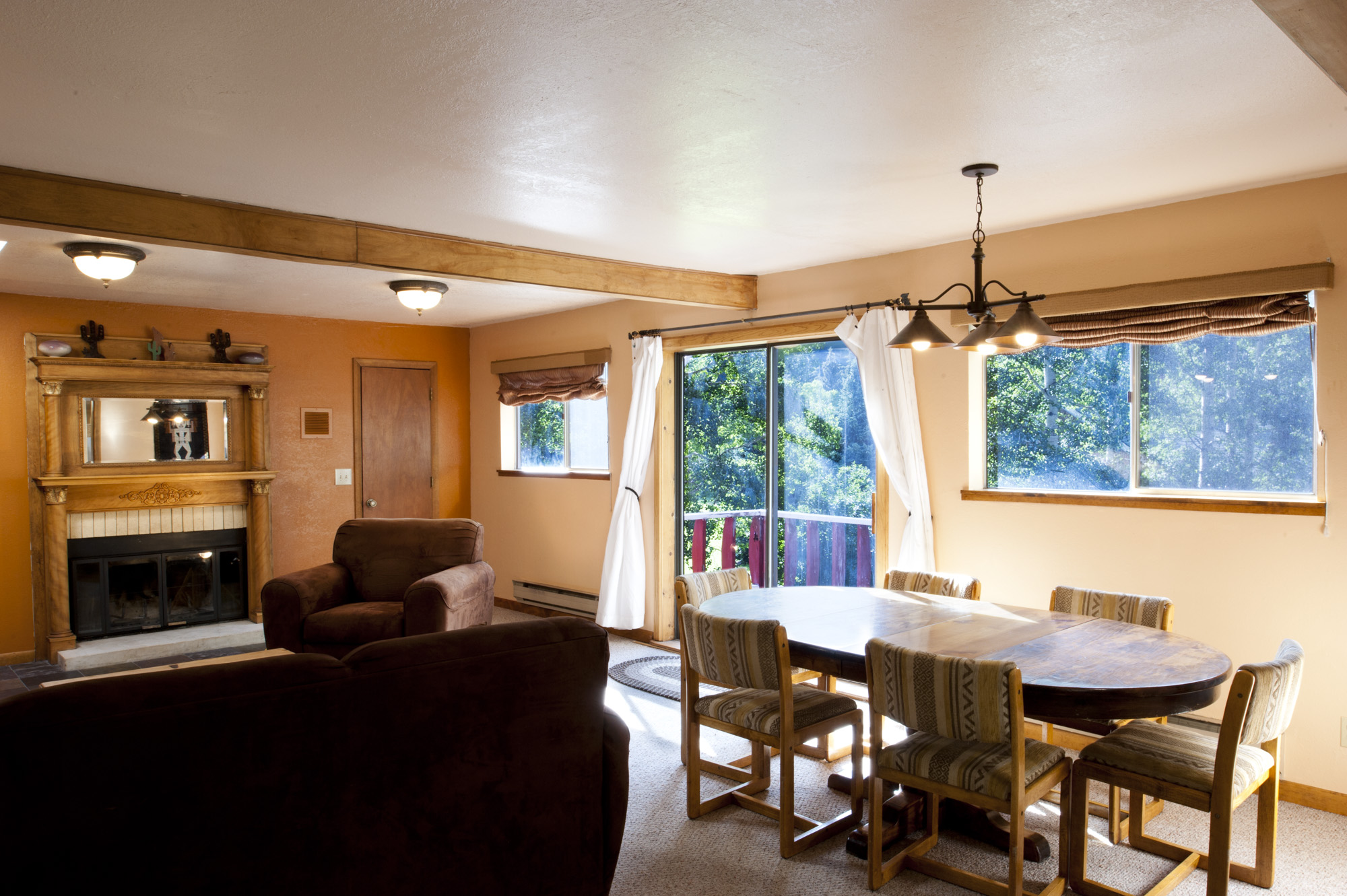 Chair_Mountain_RanchUpstairs-Livingroom1.jpg