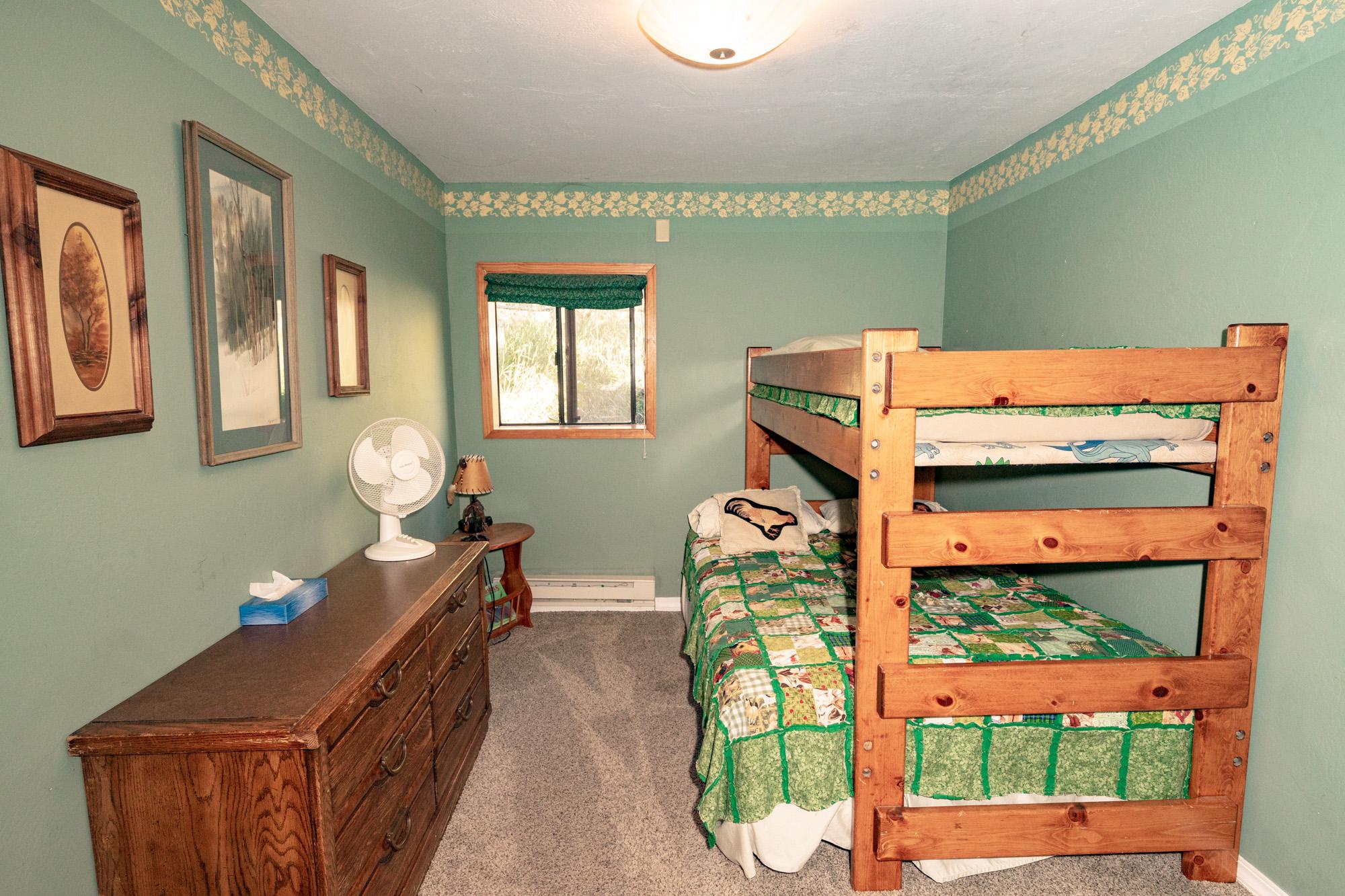 Chair_Mountain_Ranch_Apartments--4.jpg