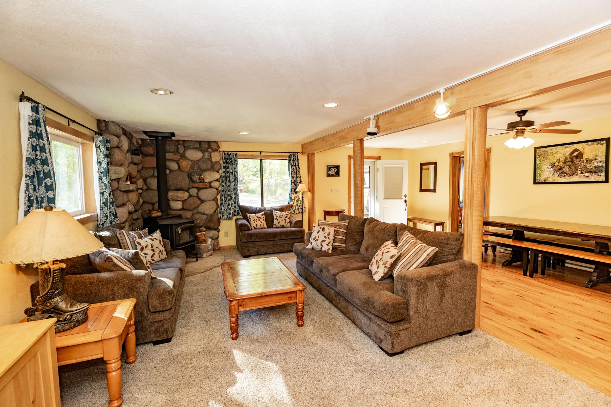 Chair_Mountain_Ranch_Apartments-.jpg