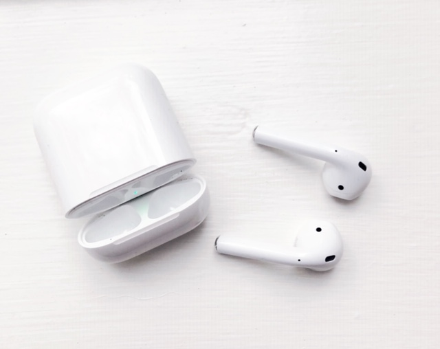 apple_airpods_review