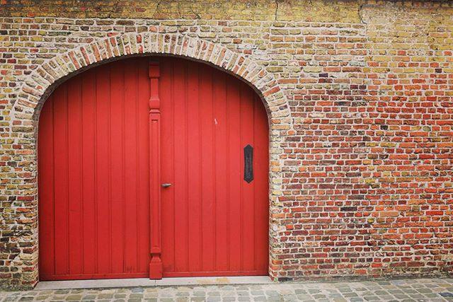 50 Shades Of Red :: Behind The Door #Belgium #brugge #traveling ##brick #europe #shutterspeed #doors #city #citylights #door #50shades #vscophile #vscocam #vsco #building #adventure #streetlights #dark #love #red #tourist #nikon #nikonpros #d610 #goldeneyephotography #justgoshoot