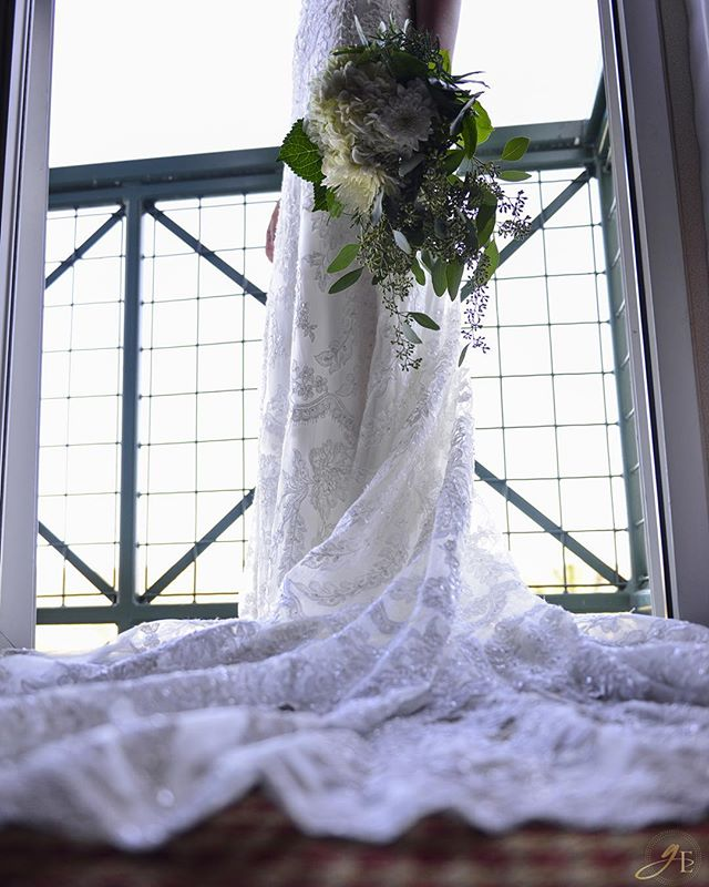 Succulence :: Elegance from today's amazing wedding at Barona Casino! ❤️ #sandiegoweddings #baronacasino #barona #weddingday #weddingphotography #GoldeneyePhotography #flawless #dress #weddingdress #sayyestothedress #dresstodiefor #succulence #flowers #beauty #Bride #nofilter #balcony #nikon #nikonpros #D610 #GoldeneyePhotography #photography #vsco #vscophile #vscocam #sandiegowedding #vintage #vintagestyle #vintagefashion #lace #fashion