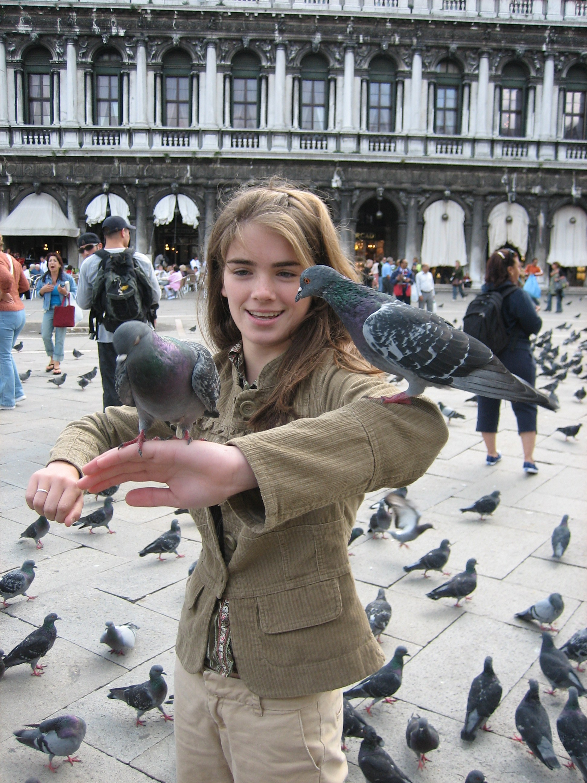 chloe-with-several-pigeon-friends.jpg