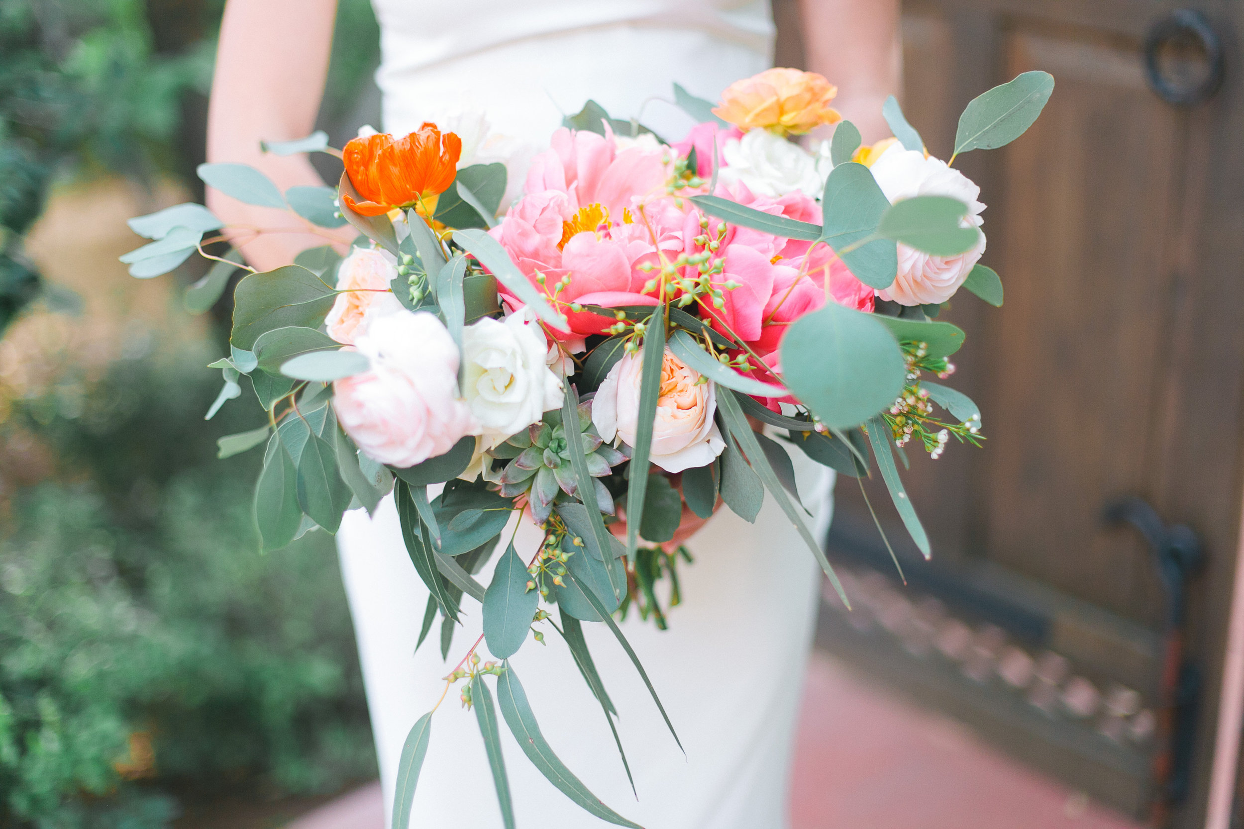 phoenix wedding planner scottsdale bouquet peach pink ivory blush coral orange el chorro