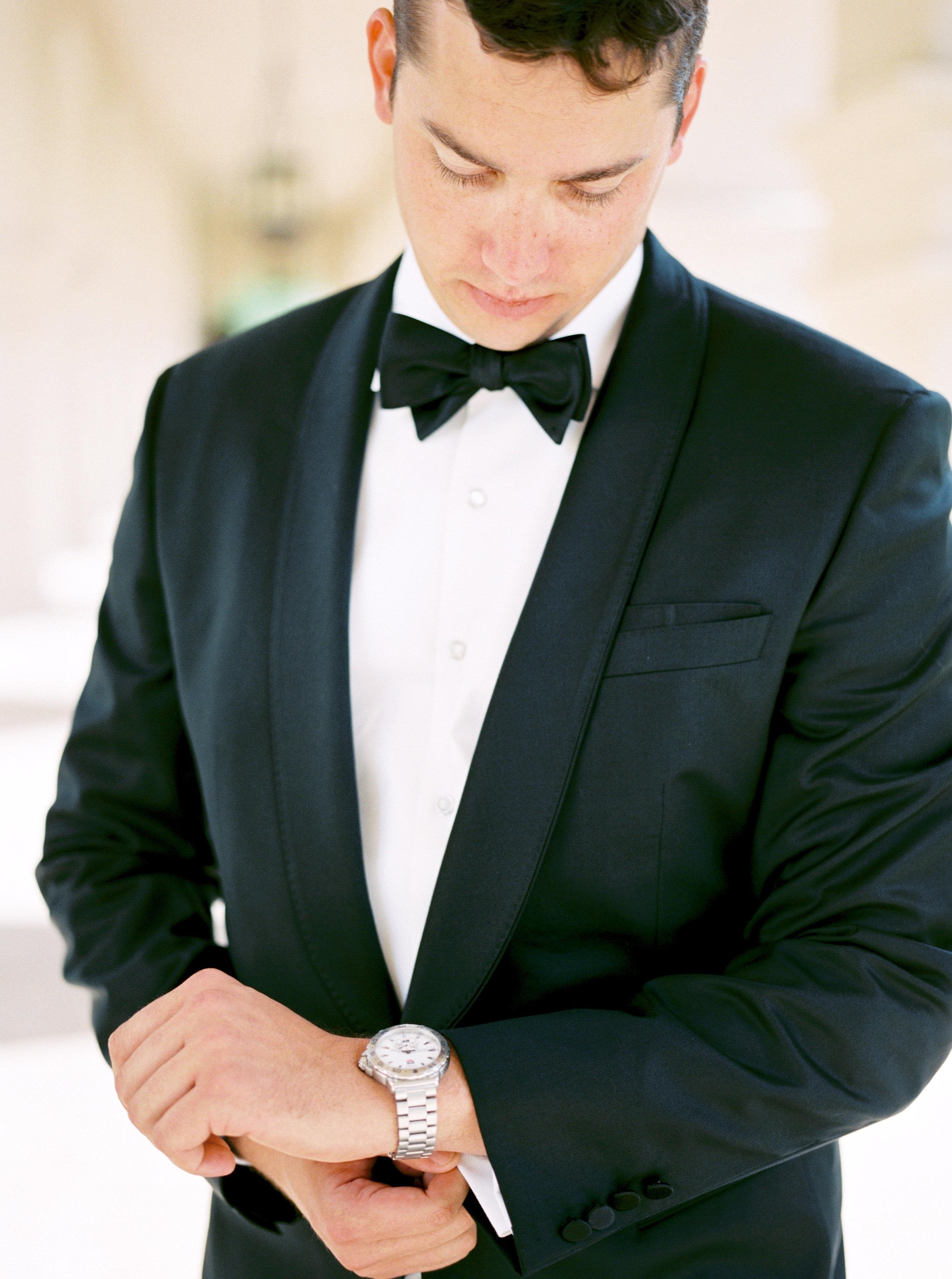 groom, groom details, formal groom attire, groom tux