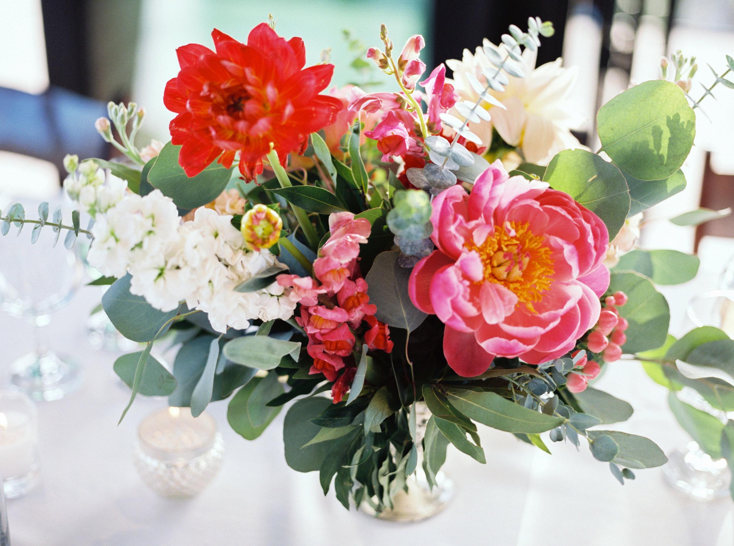 wedding flowers, wedding centerpiece, pink wedding flowers, red wedding flowers, peach wedding flowers, ivory wedding flowers