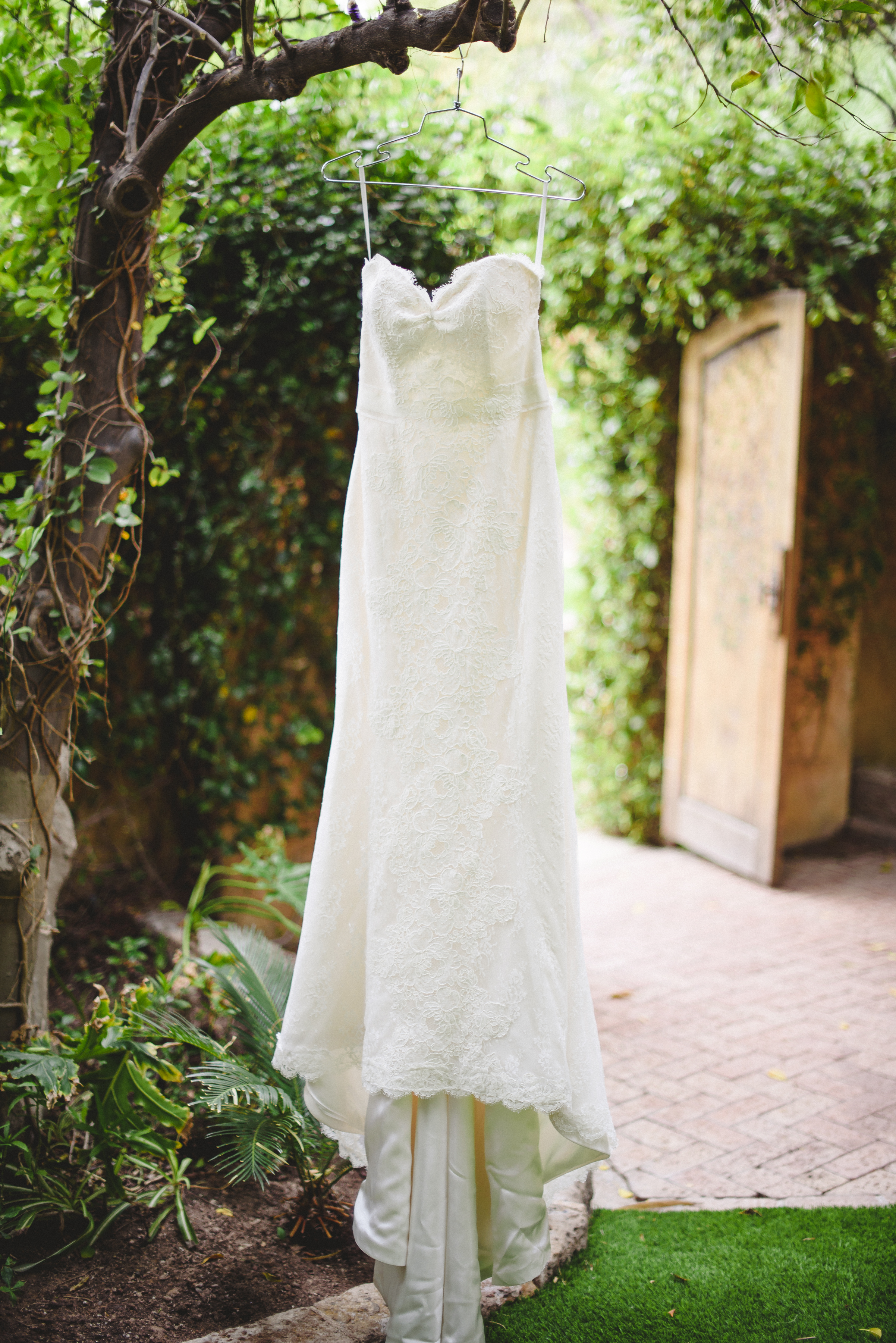 royal palms wedding arizona wedding, wedding dress, wedding planner, arizona wedding coordinator