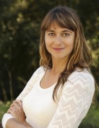 Alexandra Davis 2014 Headshot.jpg