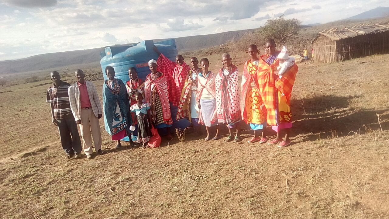Kisharu community members -