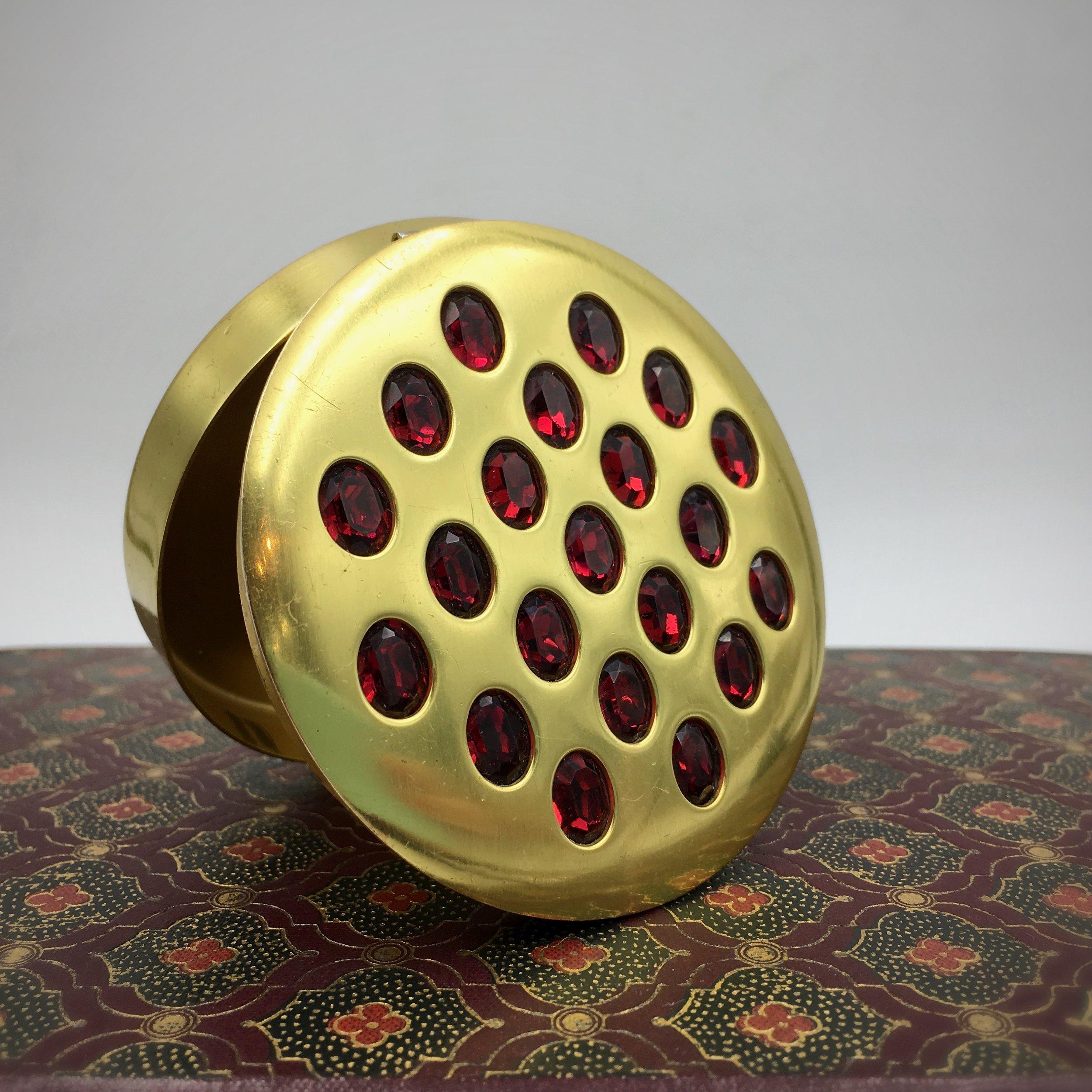 Calvaire powder compact Reverie vintage accessories