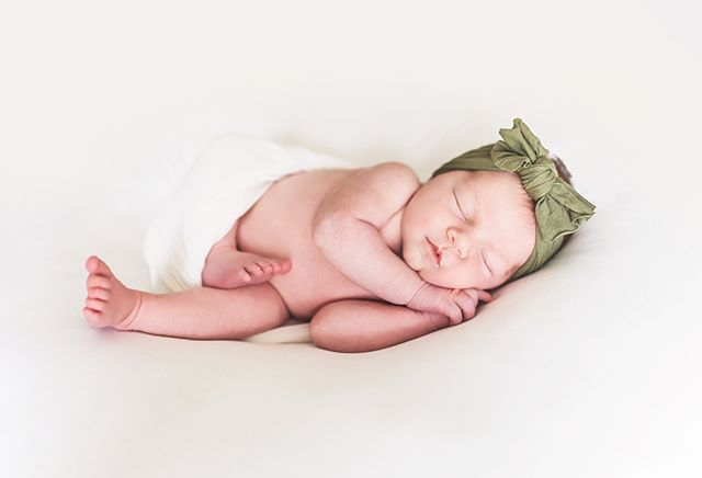 One of my favorite things about being a newborn photographer is being invited into world right after a new baby comes. Whether I come to your home or you come to my studio, that time is precious and I don't take that for granted. Thank you all for trusting me with your tiny, heart-bursting, new love for a few hours. ❤️ I promise to care for him/her just like I would my own, so now go nap or eat something without a baby attached to you.🙌🏼⠀⠀⠀⠀⠀⠀⠀⠀⠀ ⠀⠀⠀⠀⠀⠀⠀⠀⠀ You can see more of sweet Hollis' session on the blog today! ⠀⠀⠀⠀⠀⠀⠀⠀⠀ ⠀⠀⠀⠀⠀⠀⠀⠀⠀ #newborn #newbornphotography #newbaby #babylove #freshie #fresh48 #babysfirstdays #photography #childrensphotography #babyphotographer #maternityphotography #maternity #orangecounty #oc #danapoint #lagunabeach #newportbeach #lagunaniguel #alisoviejo #southorangecounty #southoc #momlife #naturalbaby #unposed #organic #pure #fresh #clean