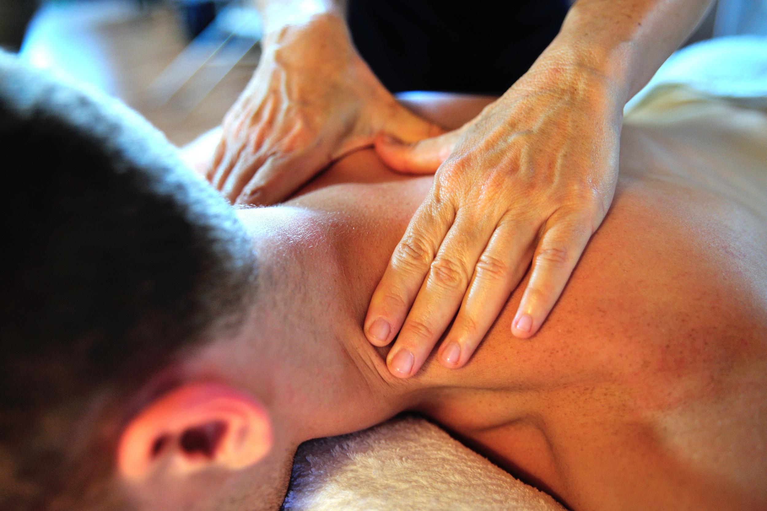 massage-therapist-in-Longmont-Colorado.jpg