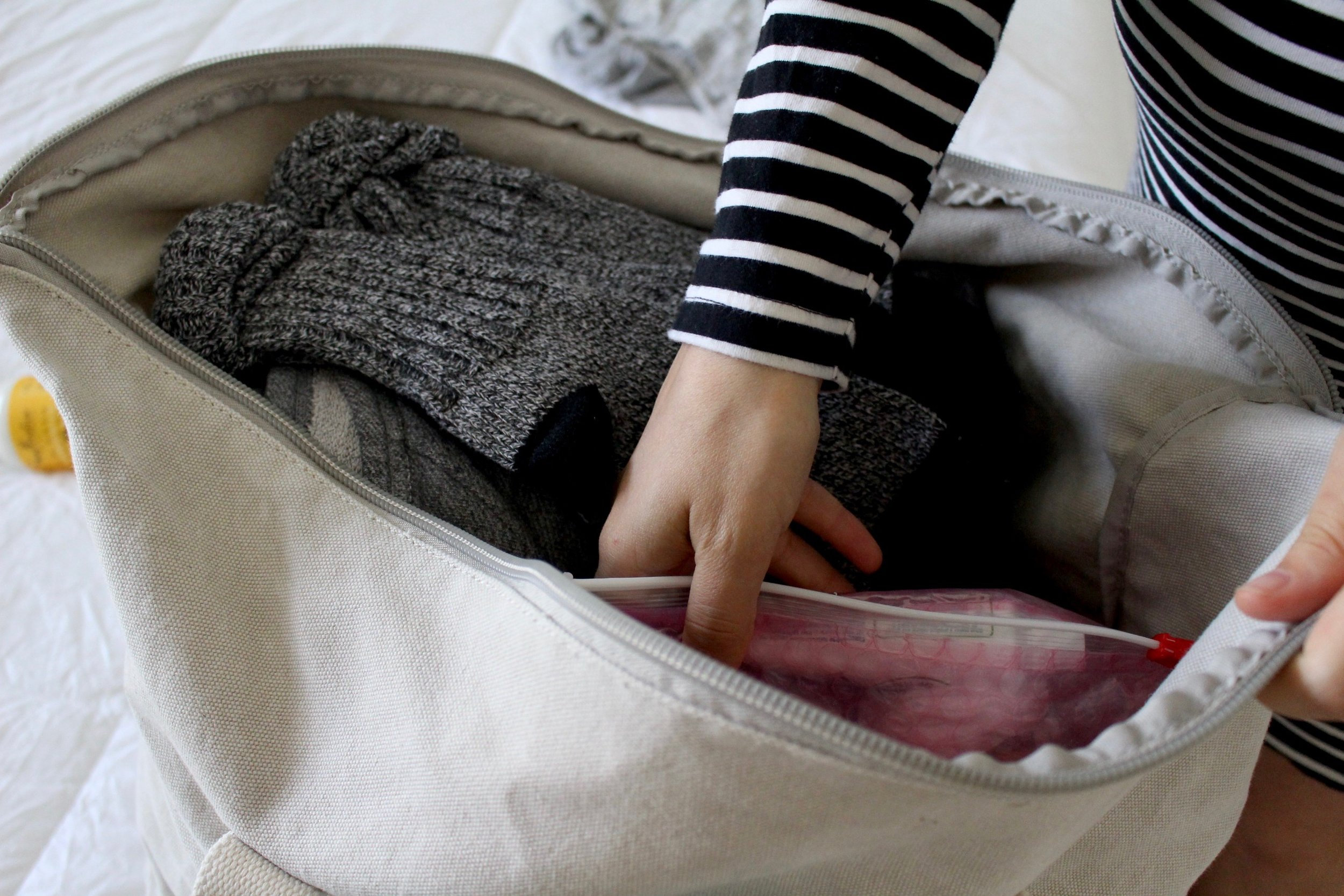 WHAT TO PACK FOR THE HOSPITAL / HOSPITAL BAG / NEWBORN / PREGNANCY / NICOLEMCARUSO.COM