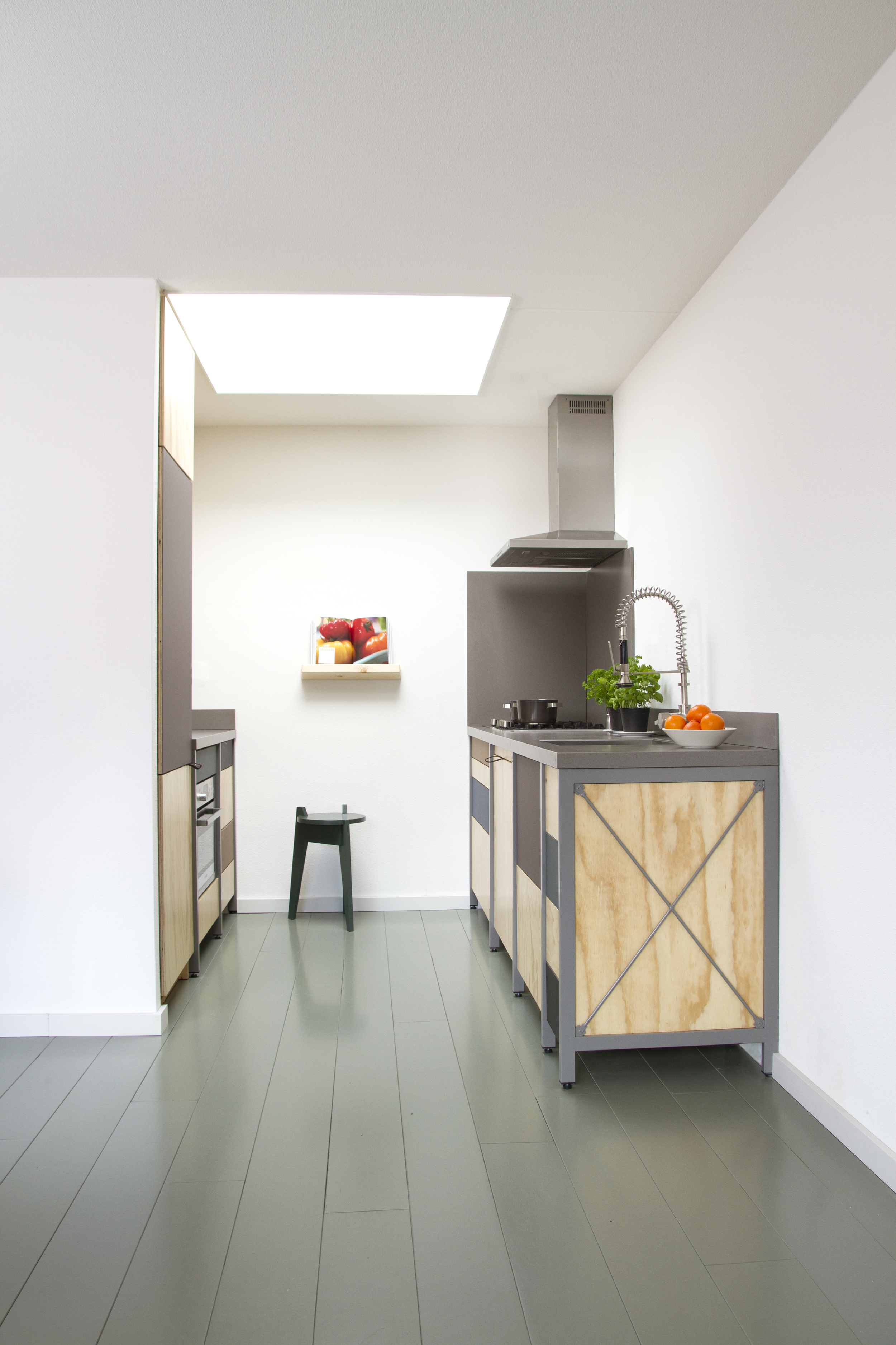 Most kitchens are constructed primarily from laminated chipboard. This material is cheap but quite weak compared to other kinds of engineered woods such as plywood. Also is it not so eco-friendly due to the resin being used to keep the wood chips together.