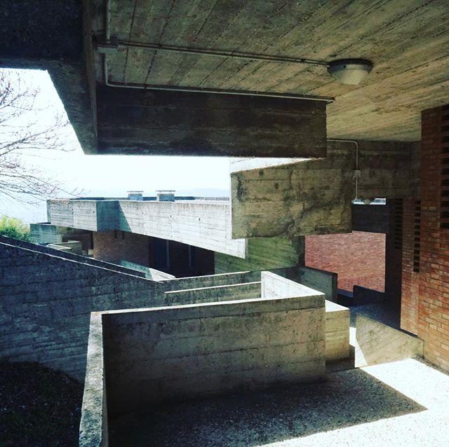 Giancarlo De Carlo's collegio del colle in Urbino 1960-1980 #giancarlodecarlo #urbino #italia #architecture #180giorni