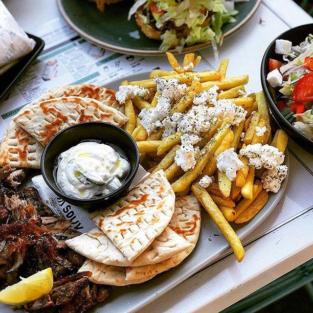Pita + Chips + Feta + Tzatiki + Lamb + Lemon = ❤️PLATTER GOALS ❤️ 📷: @takingabite