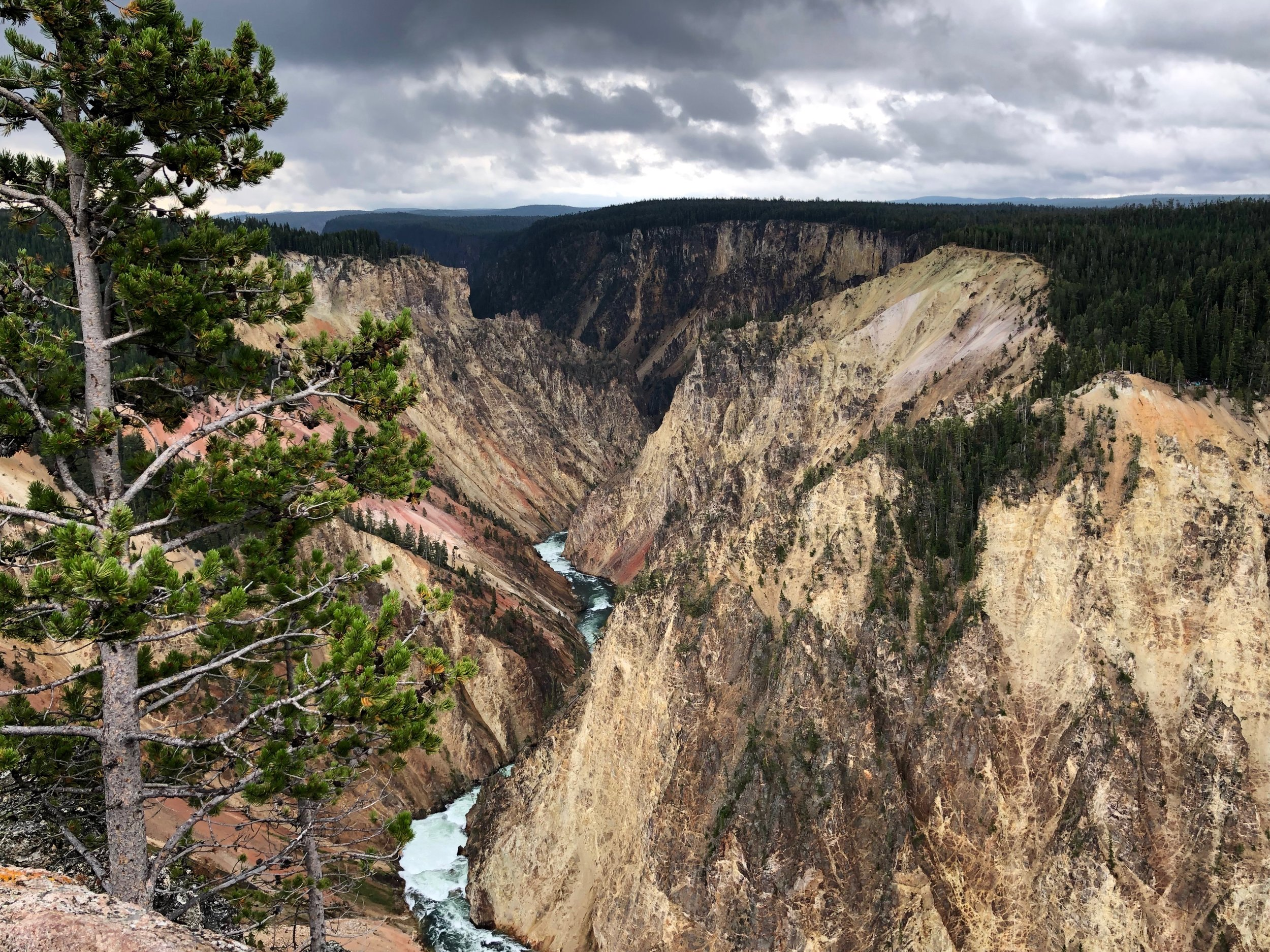 Hiking the North and South rims of the Grand Canyon of the Yellowstone