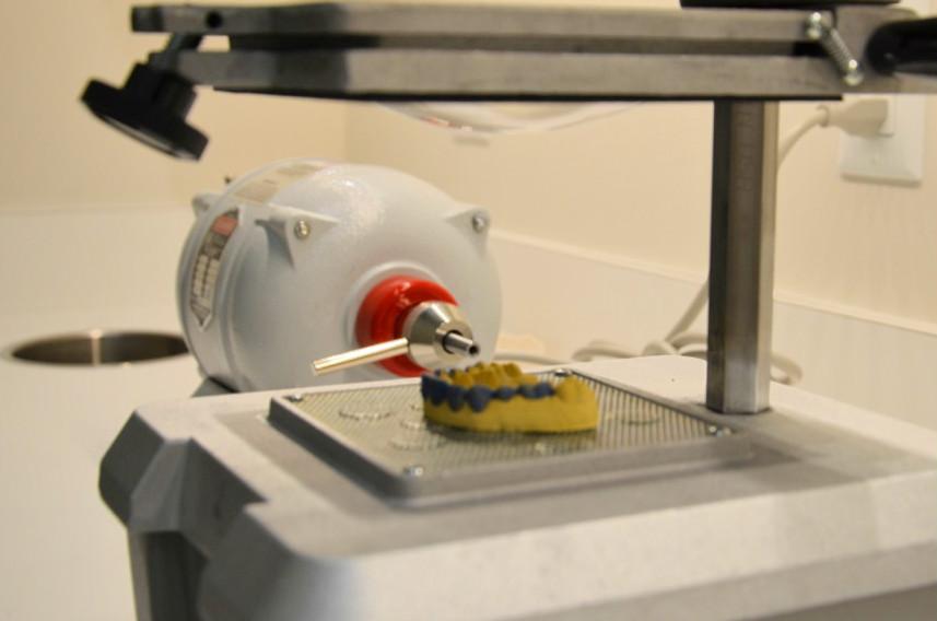 Use Vacuum Forming Machine