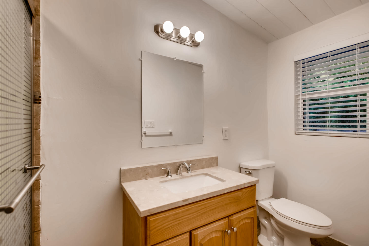 12503 Honolulu Ter Whittier CA-large-026-12-Bathroom-1500x998-72dpi.jpg
