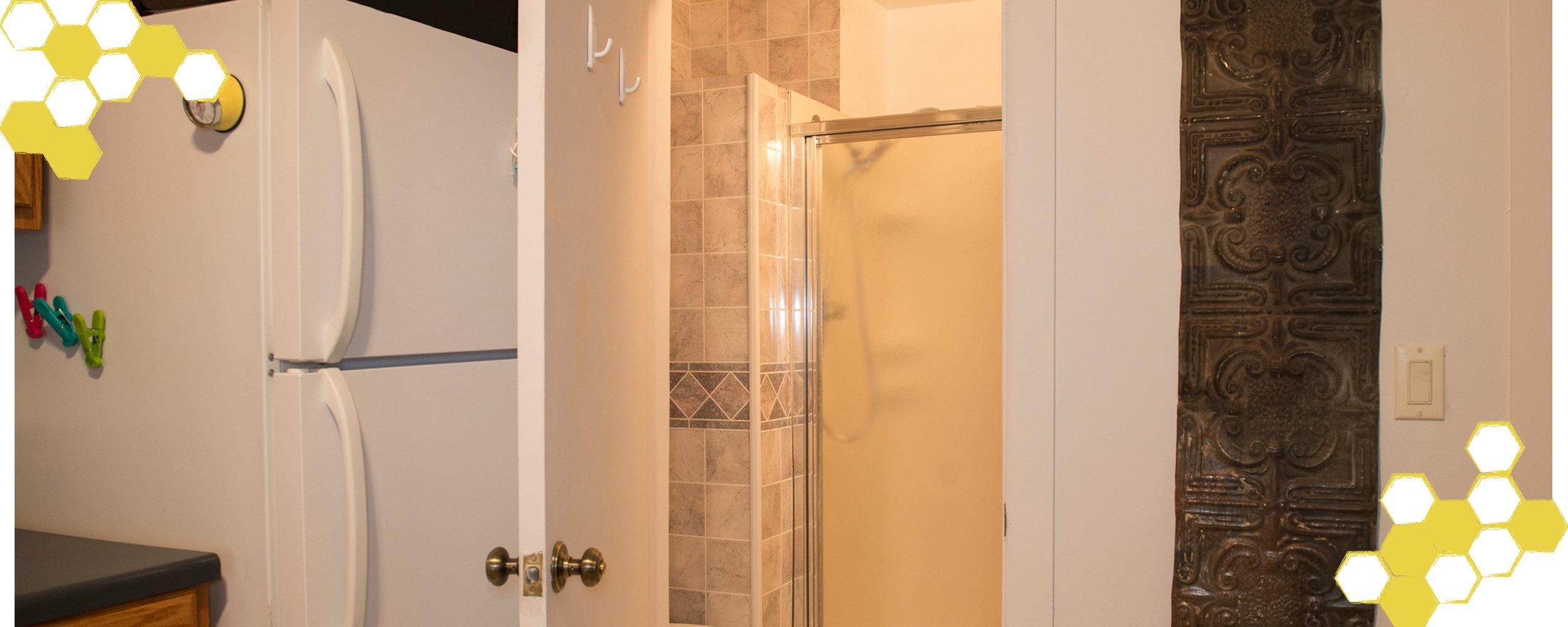 Sliders-BeesKnees-Bathroom1.jpg