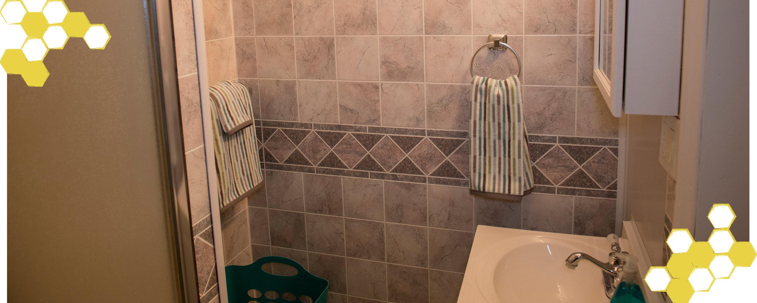 Sliders-BeesKnees-Bathroom2.jpg