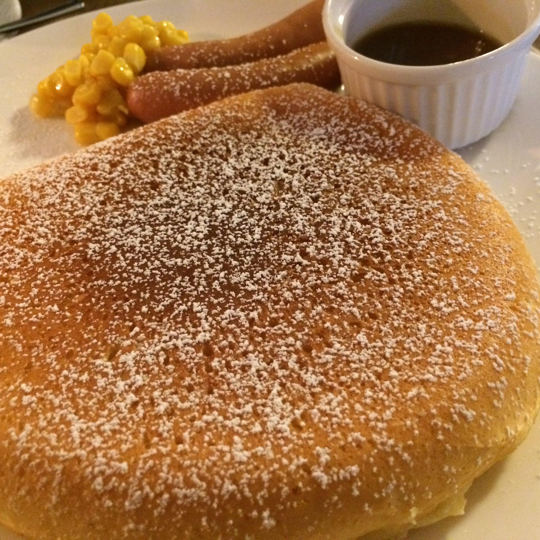 シンプルなパンケーキです!!!morningは、パンケーキとドリンク付きで、680円〜1000円です!!