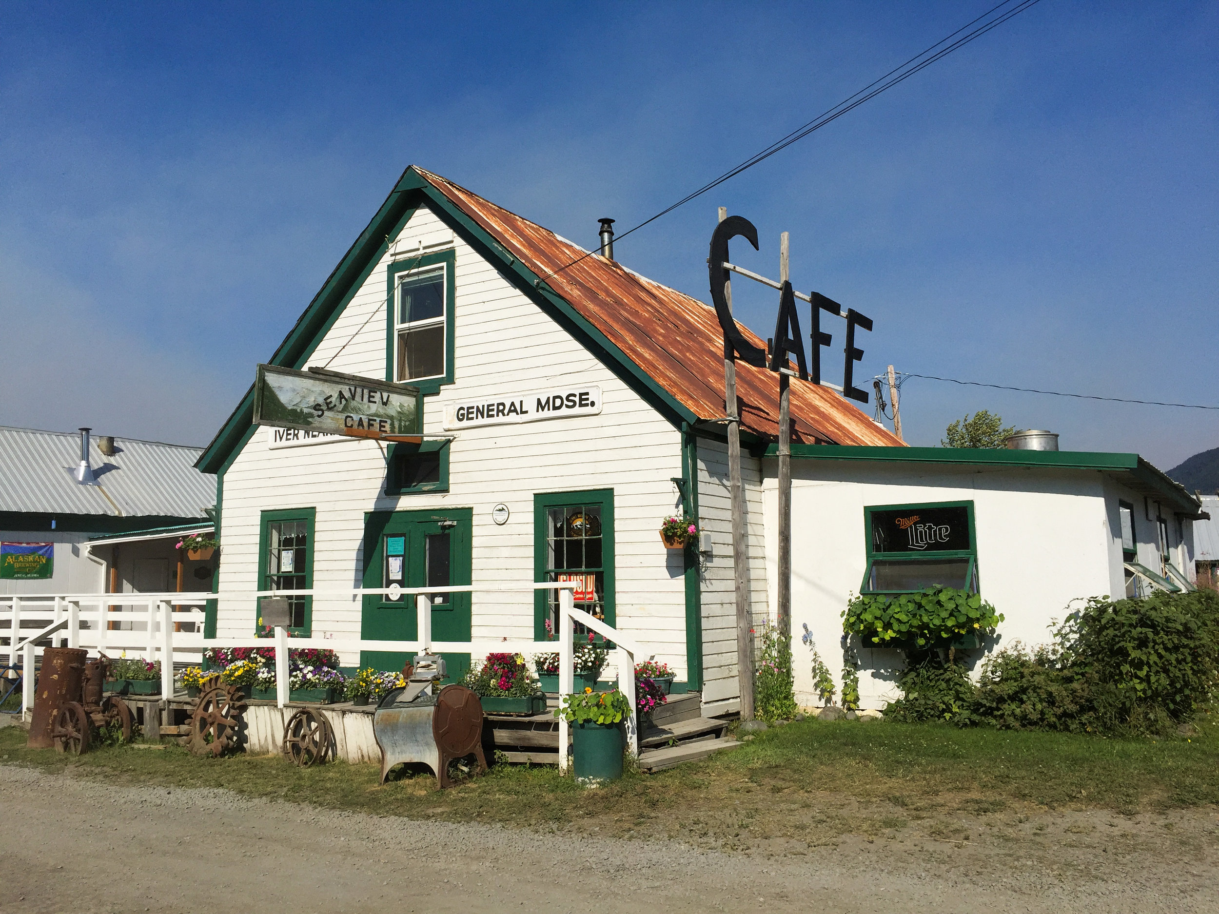 Hope's famous Seaview Cafe