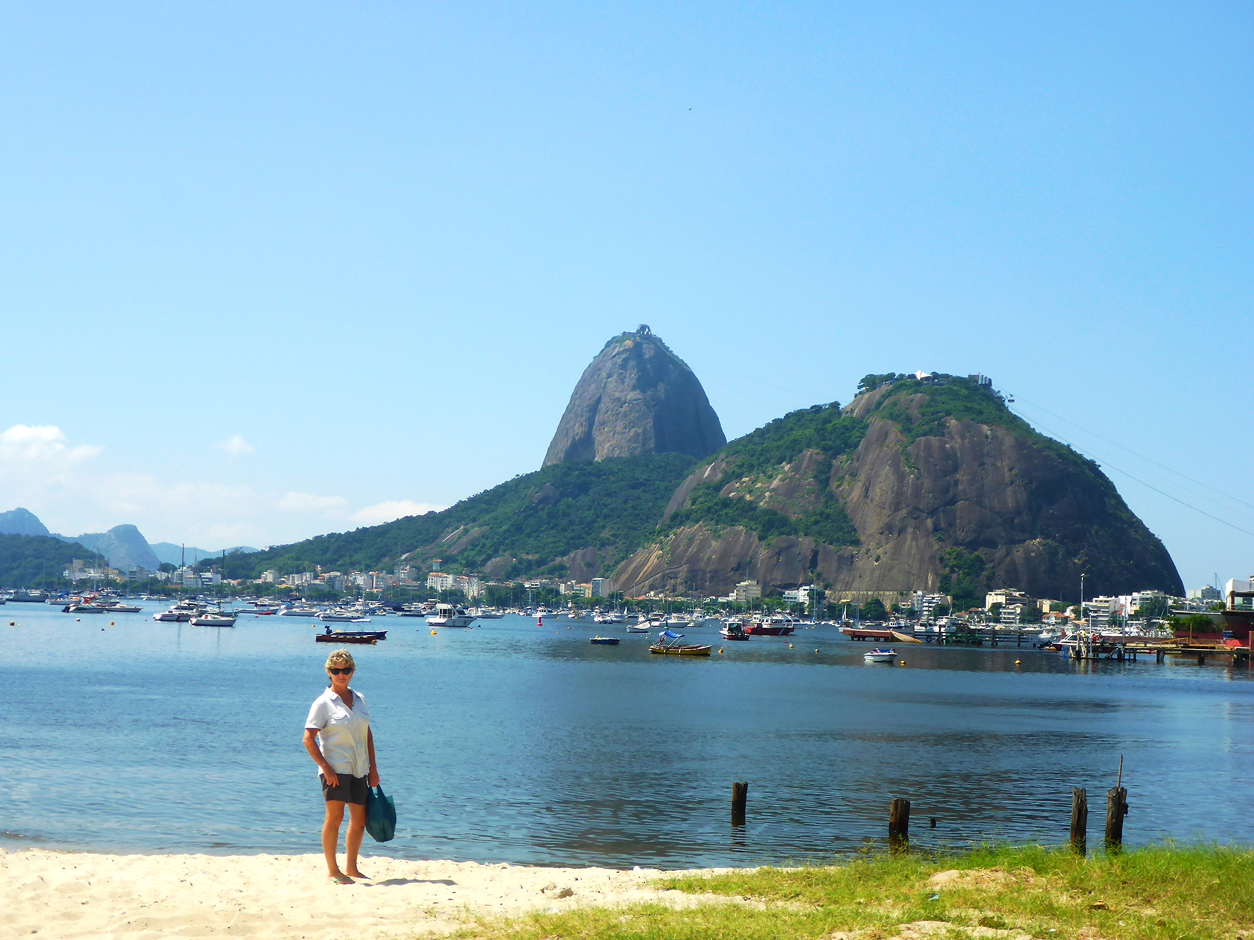 SUGALOAF MOUNTAIN FROM BOTAFOGO BEACH