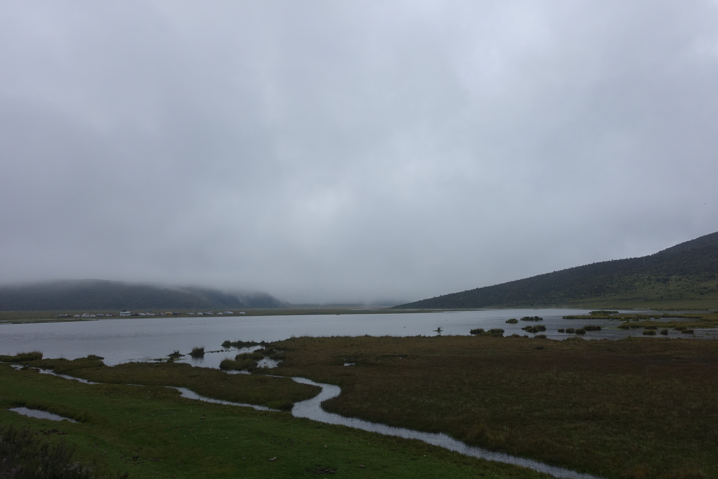 limpiopungo lake. COTOPAXI is hiding in the clouds on the left - take our word for it.