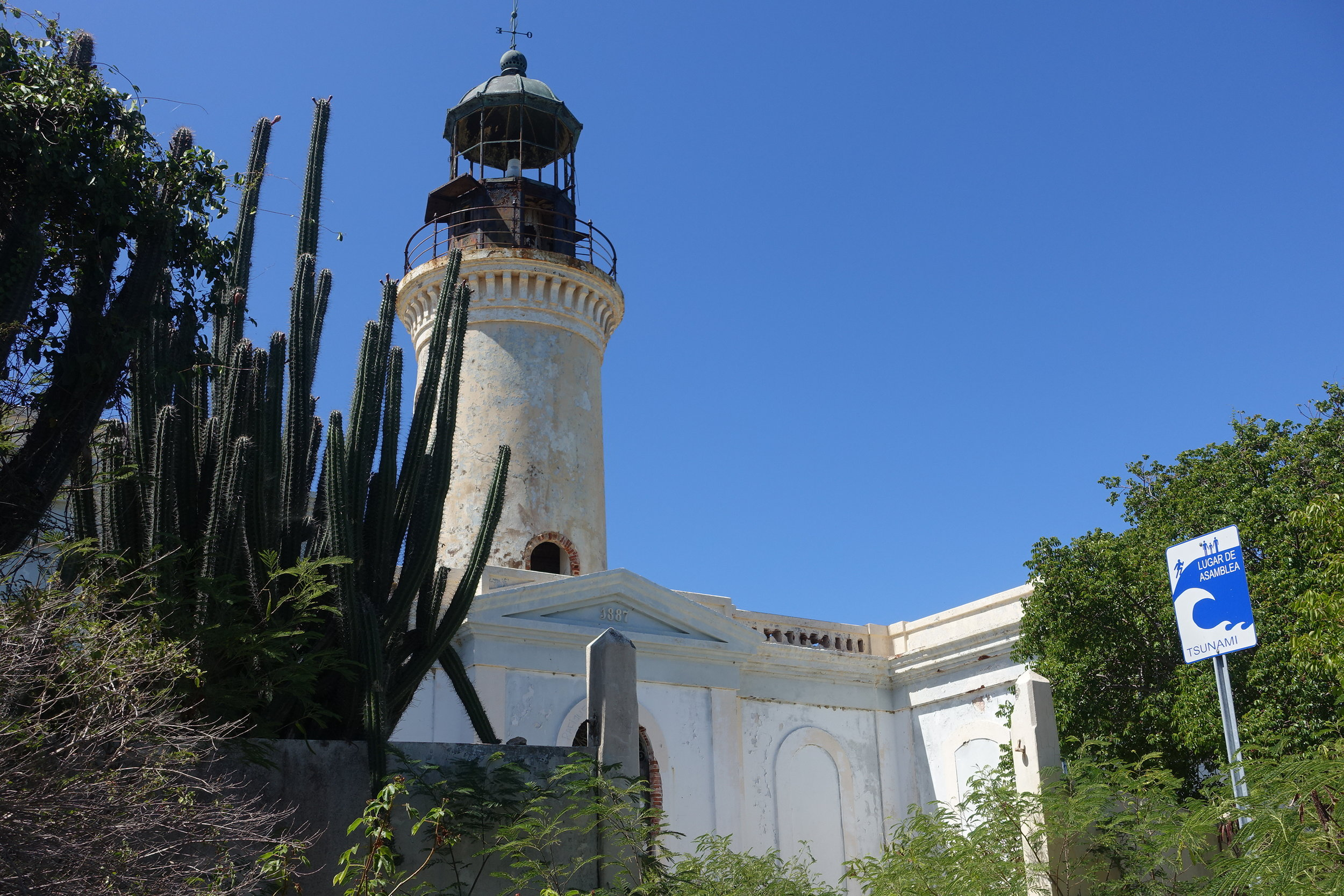 the old lighthouse (faro)