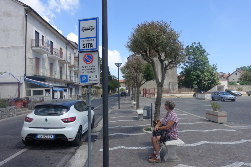 waiting in bomerano for the amalfi bus when one direct to naples arrived