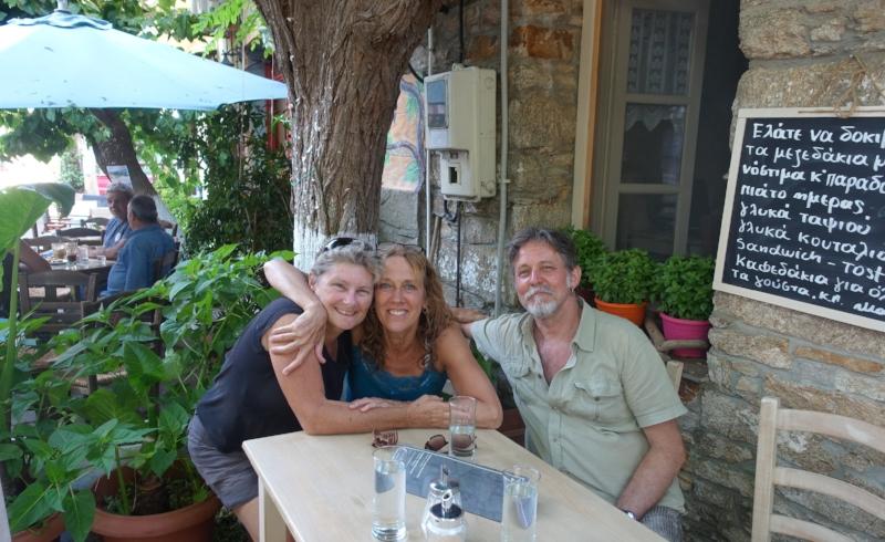 a quick group selfie at christos rahon (Cally, Ellen and Ron)