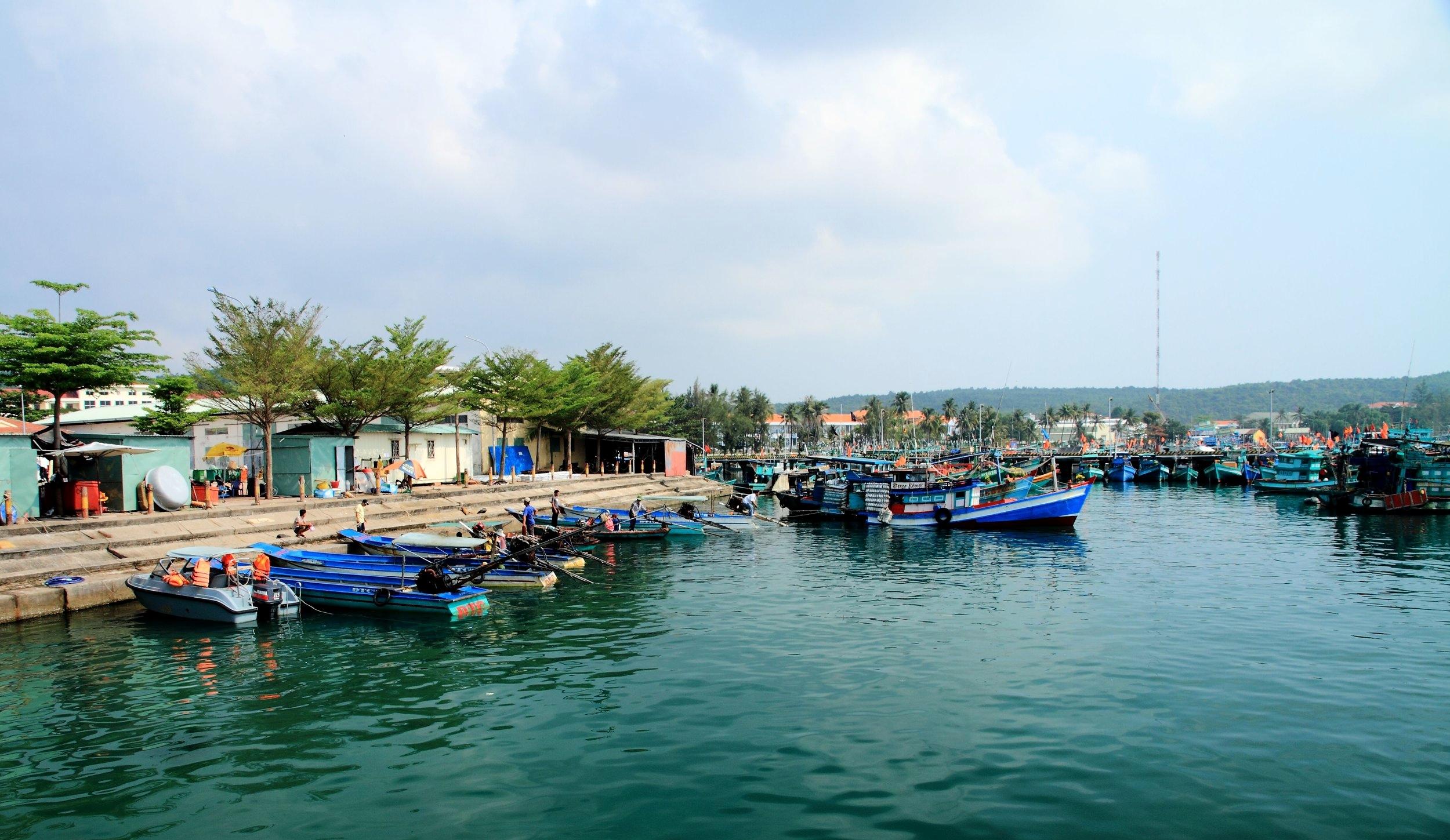 an thoi harbour