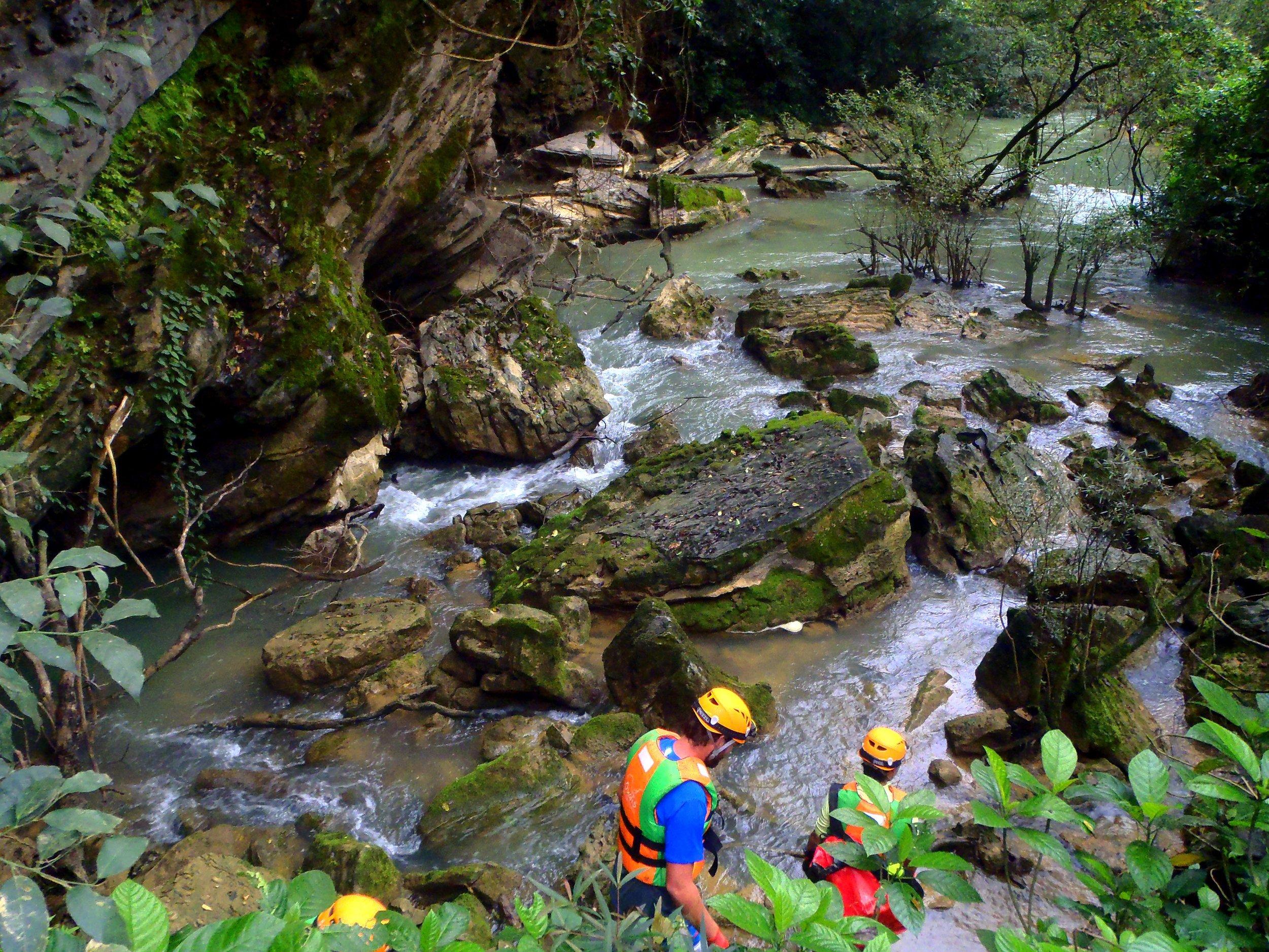 TU LAN Cave district