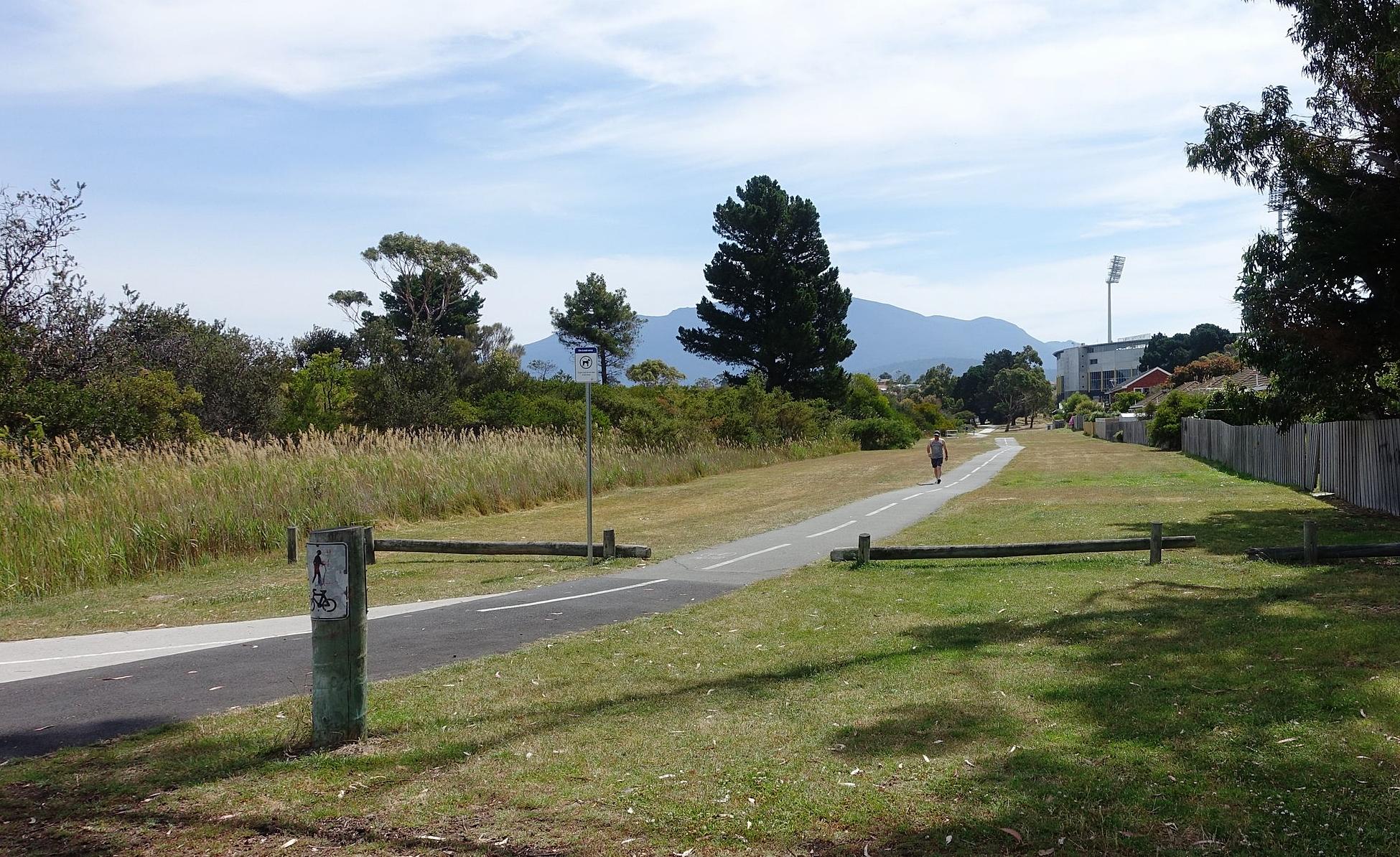 eastern shore cycleway - stetch between howrah and bellerive