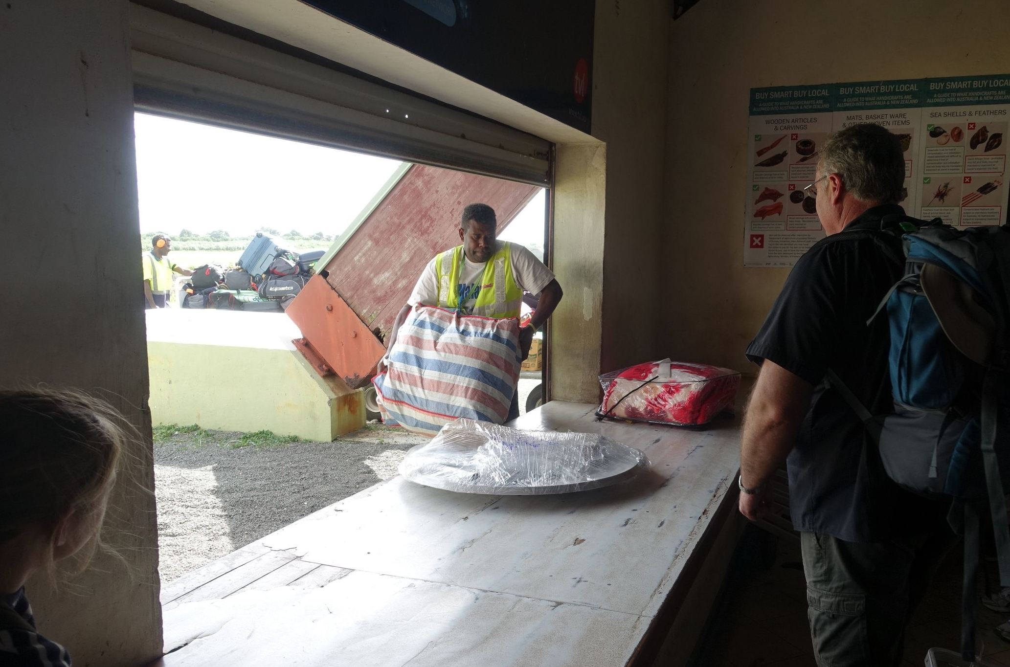 tanna airport baggage retrieval
