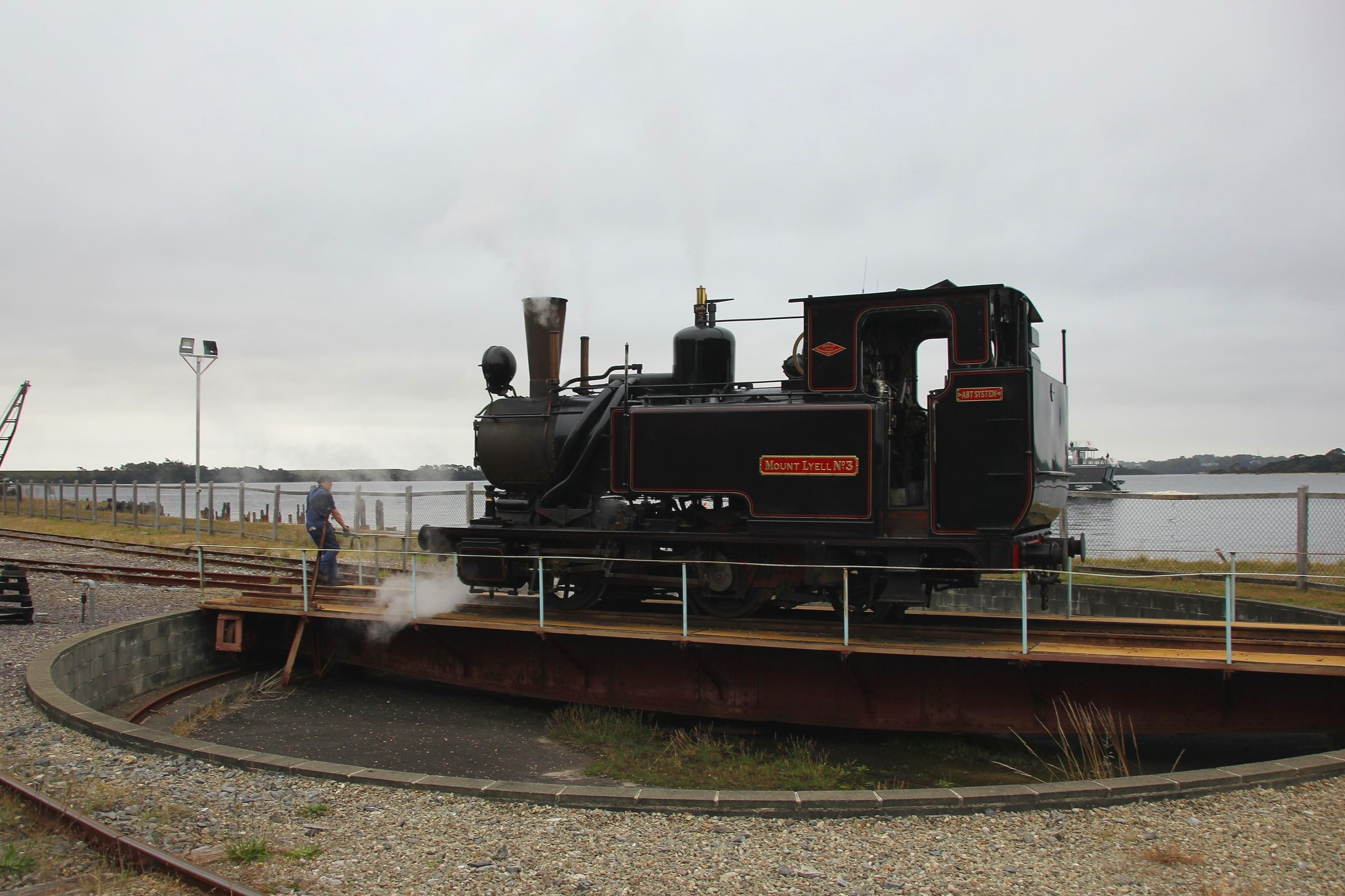 positioning the engine on the turntable