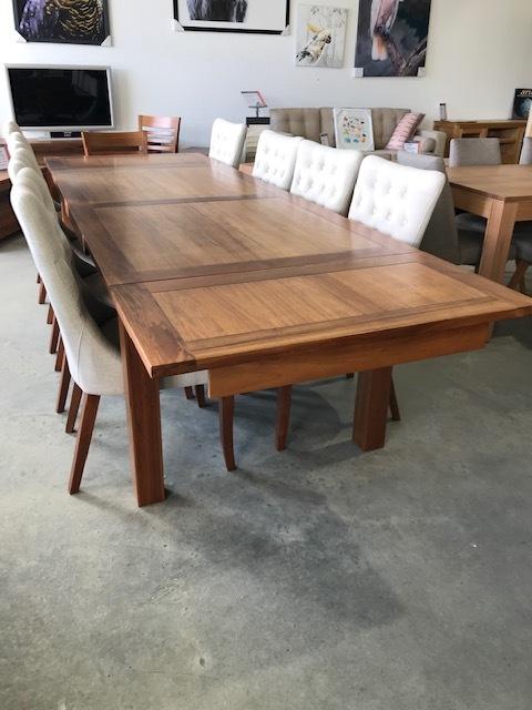 Havana Blackwood ext table 2000 ext to 3000