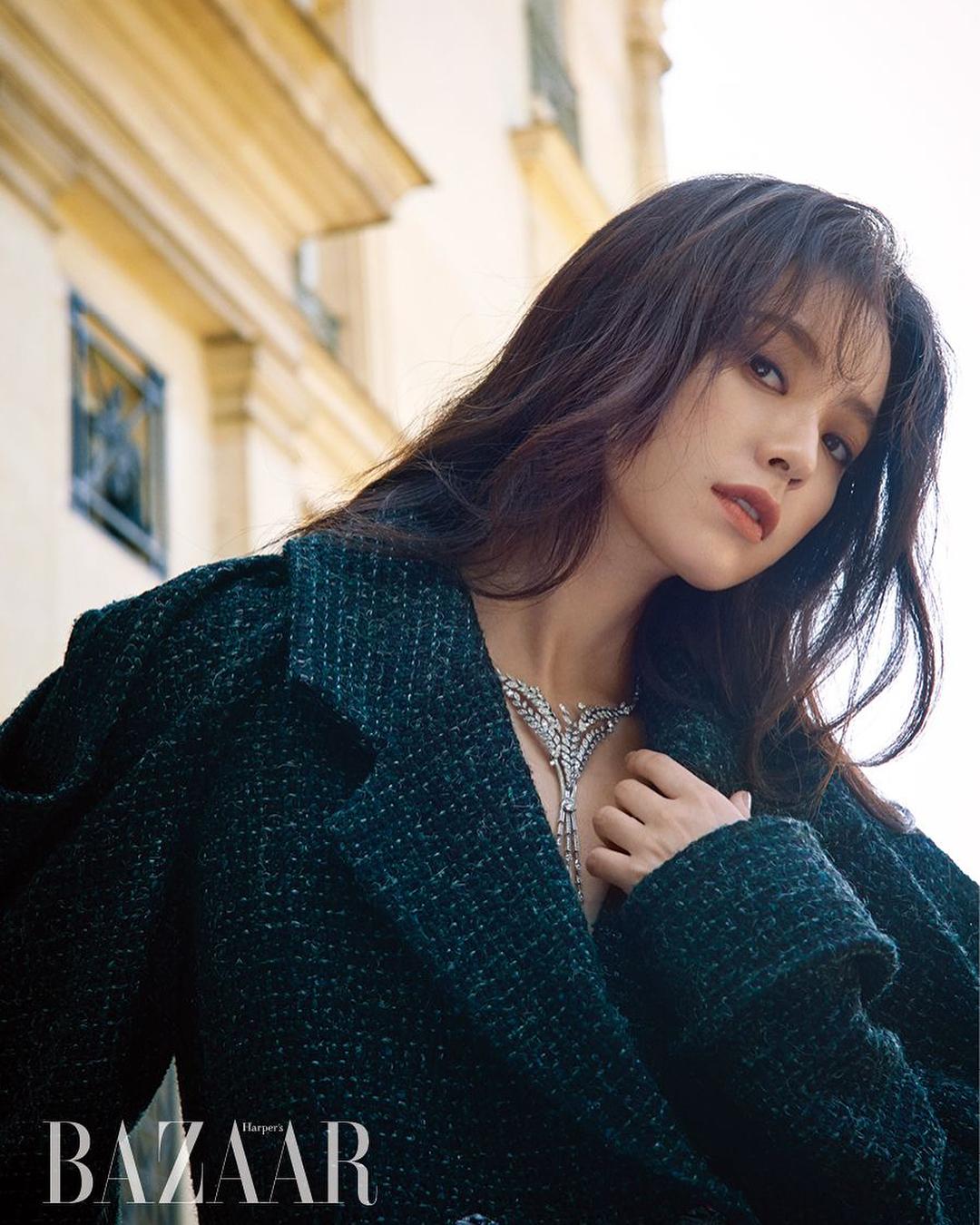 hanhyojoo222 / Han Hyo Joo via  instagram