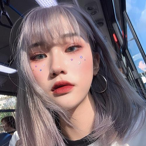 barbie_rachel_q.p, instagram model with lavender grey silver hair