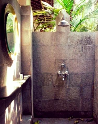Madras bathroom at Vivenda Dos Palhaços, Goa. Photo ©verykerryh2016