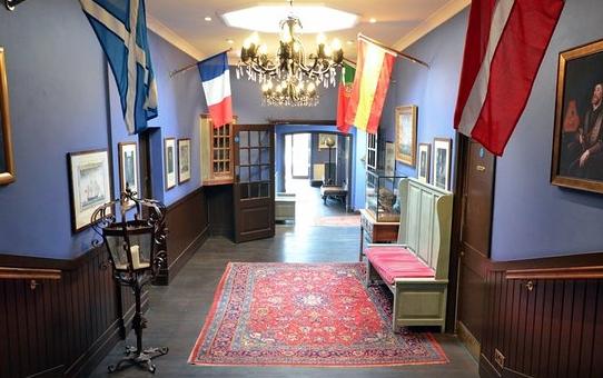 Entrance hall and lobby.