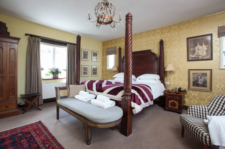 Luxury Room - Victorious (main house).