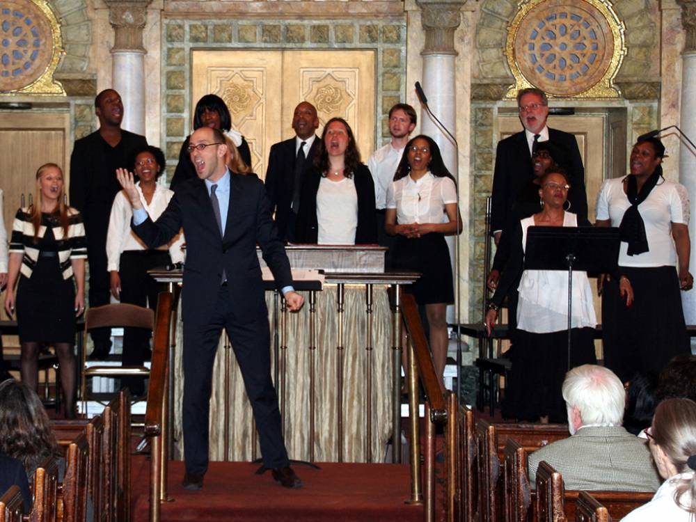 inviting-the-congregation-to-sing-1000x750.jpg