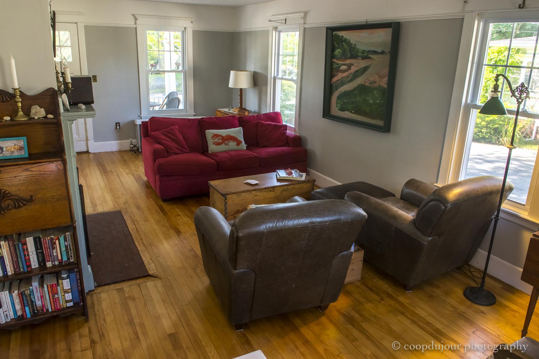 14 - living room.jpg