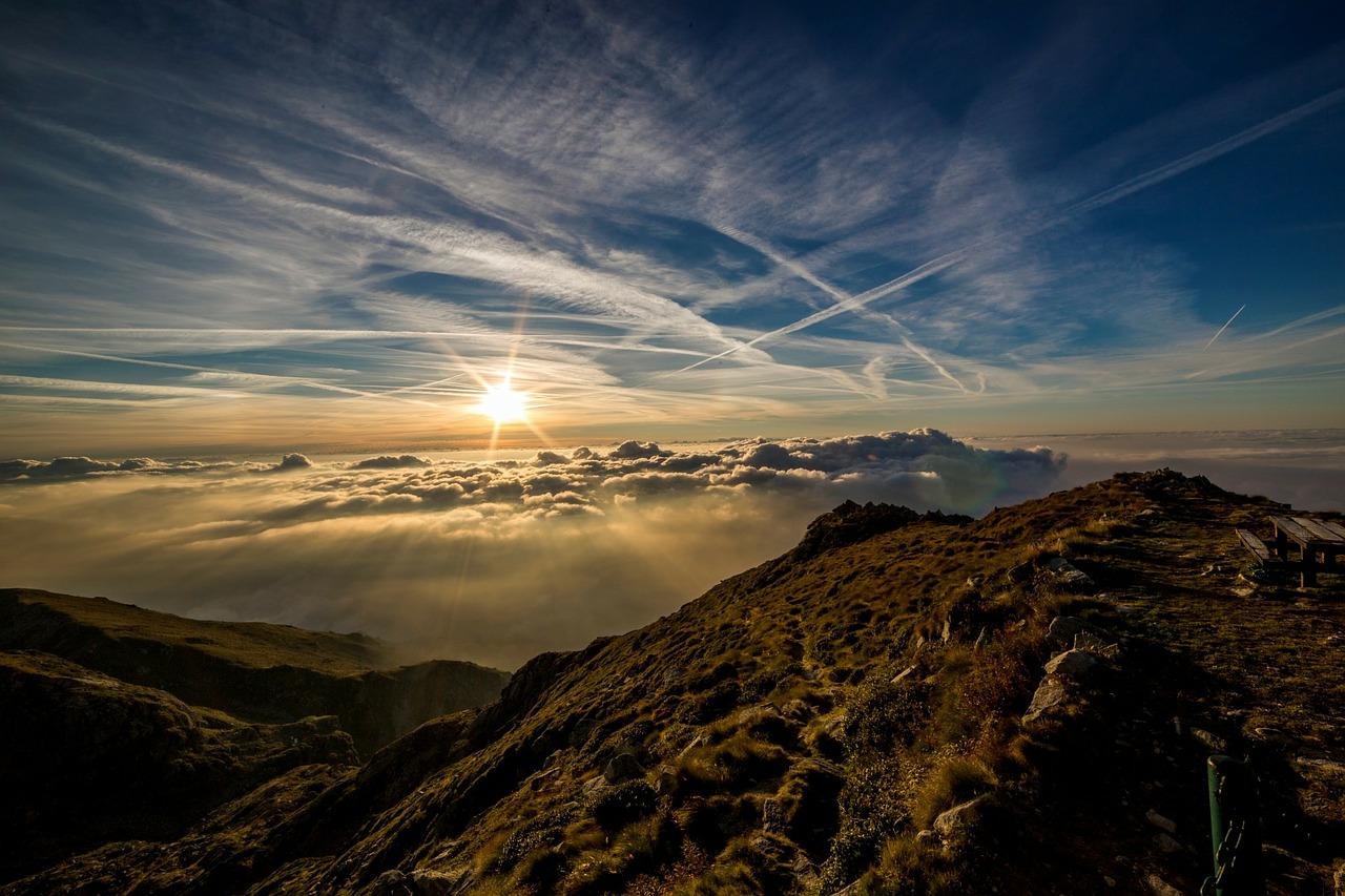 Mountains at Dawn_1280.jpg